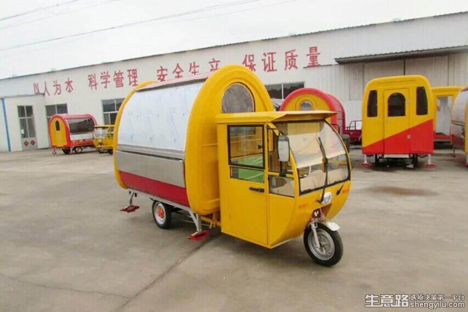 香巴士小吃车加盟店实拍