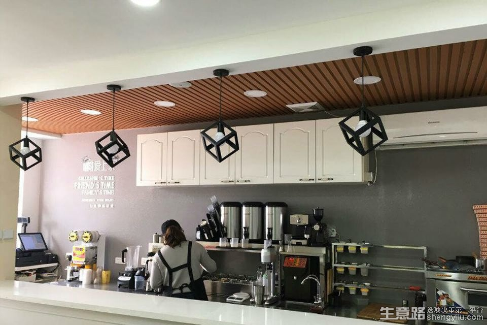 咖啡爱上茶时光小站加盟店实拍