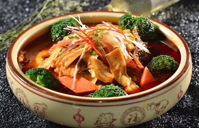 麦汇食尚冒菜:美食当道,舍我其谁