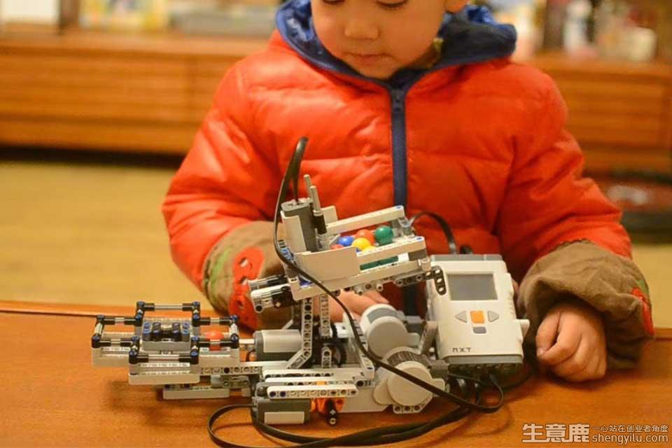 巨人创客机器人教育加盟店实拍