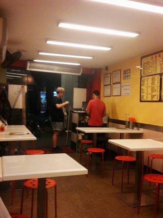 开小餐馆可以赚钱吗
