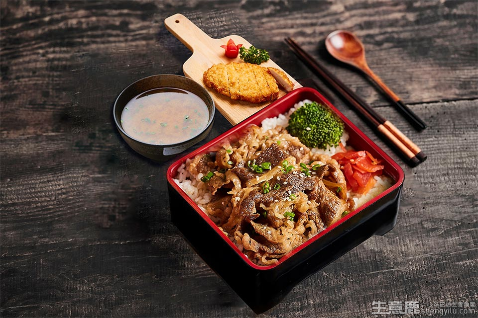 希食东牛丼咖喱饭加盟店实拍