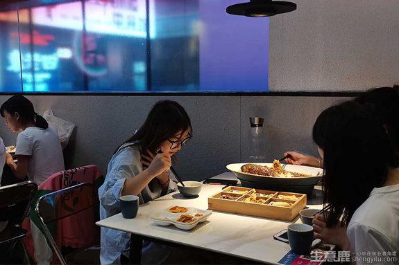 中式快餐连锁店加盟费用多少钱